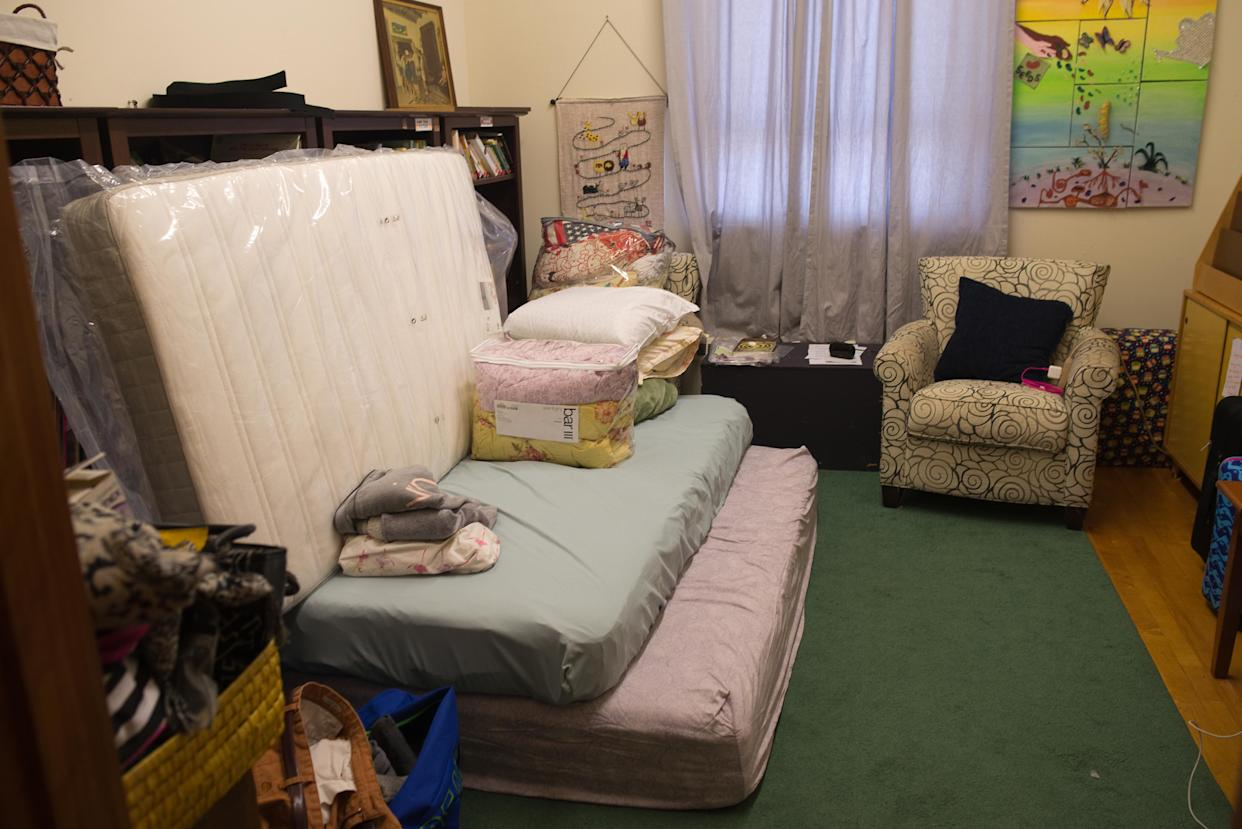 Harry Pangemanan's temporary bedroom at the Reformed Church of Highland Park. (Photo: Alan Chin for Yahoo News)