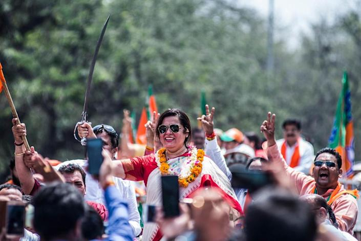 Meenakshi Lekhi during the road show before filing her nomination paper for 2019 Lok Sabha elections, on April 23, 2019 in New Delhi, India. (Photo by Pradeep Gaur/Mint via Getty Images)