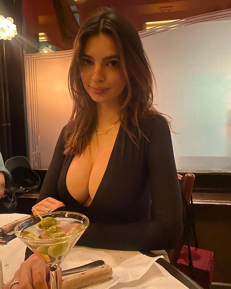 "<p>The model and new mom, 29, celebrated ""Mom's night out"" with a martini — and extra olives. </p>"