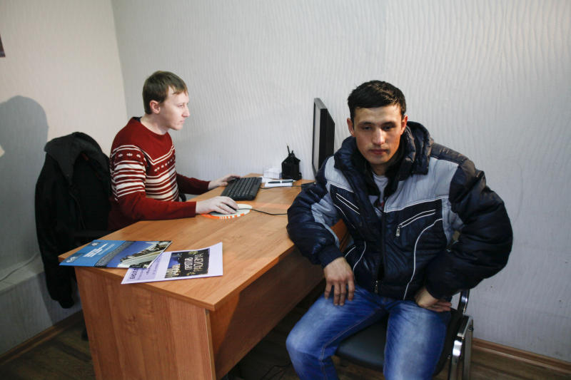 Migrant workers at Sochi Olympic sites face abuses