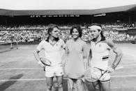 <p>The actor Dean Paul Martin, actress Ali McGraw, and tennis player Guillermo Vilas of Argentina with a crowd of extras on the Centre Court at Wimbledon during the filming of <em>Players</em> in July 1978.</p>