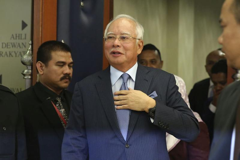 Datuk Seri Najib Razak pointed out that the oil market is extremely volatile and no one can truly predict its price as it is influenced by geopolitical factors. ― Picture by Yusof Mat Isa