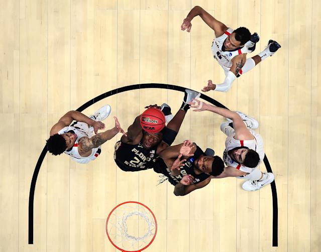 <p>Mfiondu Kabengele #25 of the Florida State Seminoles shoots the ball against Brandon Clarke #15 of the Gonzaga Bulldogs during the 2019 NCAA Men's Basketball Tournament West Regional at Honda Center on March 28, 2019 in Anaheim, California. (Photo by Harry How/Getty Images) </p>