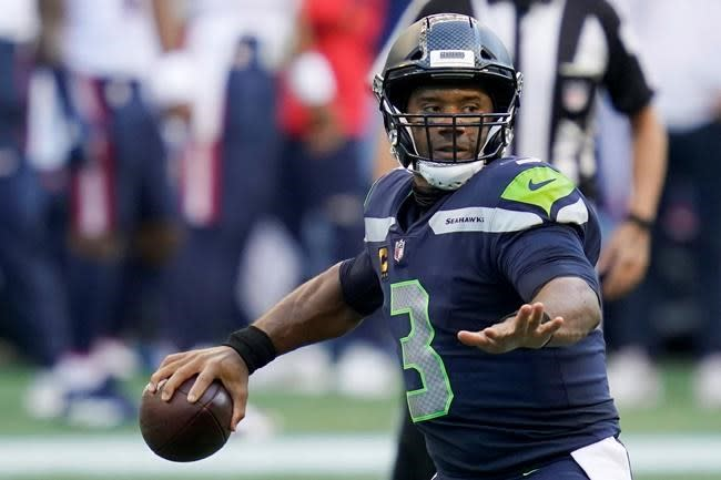 Wilson magnificent, but defence a concern for 2-0 Seahawks