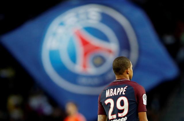 Soccer Football - Ligue 1 - Paris St Germain vs Angers - Parc des Princes, Paris, France - March 14, 2018 Paris Saint-Germain's Kylian Mbappe REUTERS/Gonzalo Fuentes
