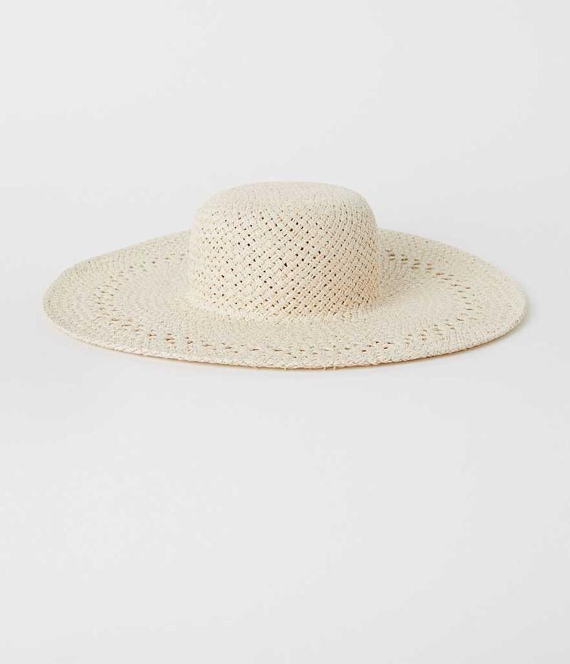 White oversized hat. (Photo: H&M)