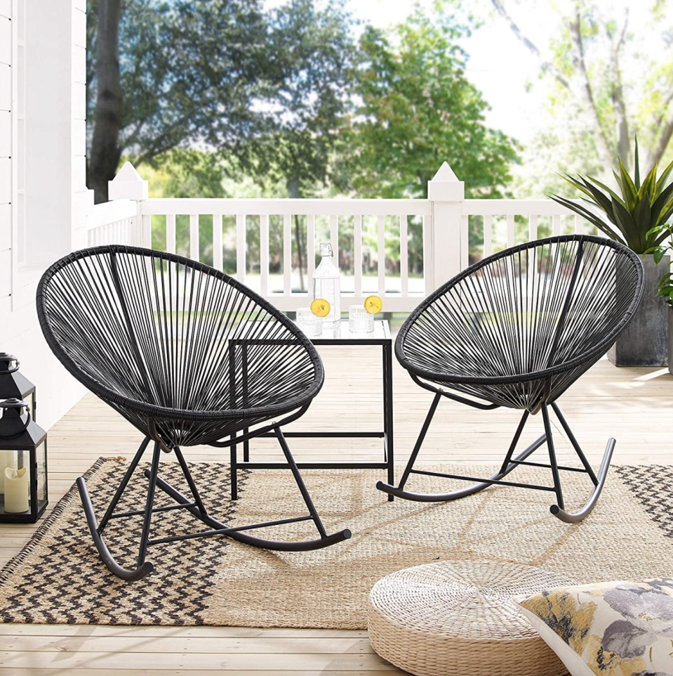 Lounge in style this summer with these cost-friendly patio sets and outdoor furniture pieces from Amazon Canada (Photo via Amazon)