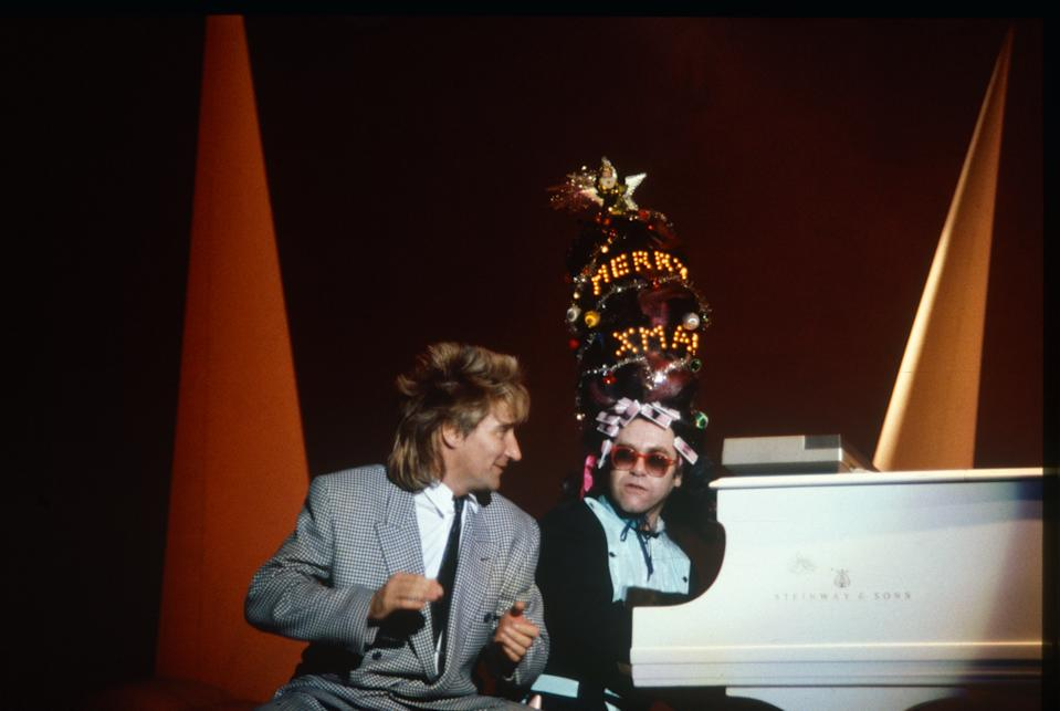 Elton John, Rod Stewart, Ice on Fire Tour, 19 December 1985 Wembley Arena. (Photo by Solomon N'Jie/Getty Images)