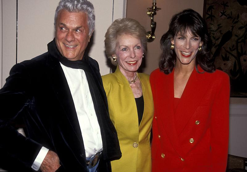 Actor Tony Curtis, actress Janet Leigh and actress Jamie Lee Curtis attend the American Women in Radio & Television - Southern California Chapter's 36th Annual Genii Awards on May 30, 1991 at Beverly Hills Hotel in Beverly Hills, California. (Photo by Ron Galella, Ltd./Ron Galella Collection via Getty Images)
