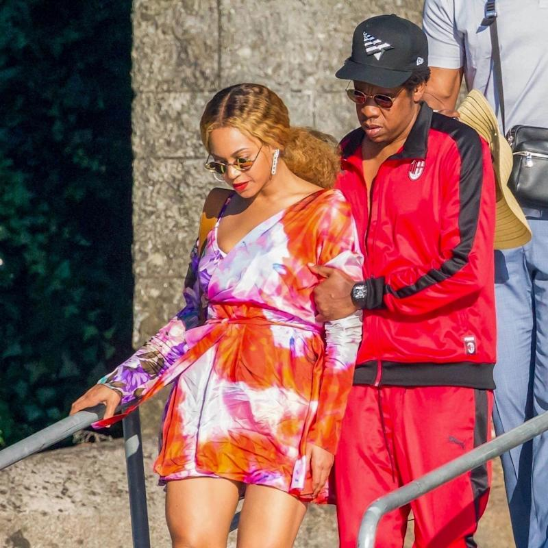 Beyoncé Reveals a Bold Bleach Blonde Transformation on Stage with Jay Z in Paris