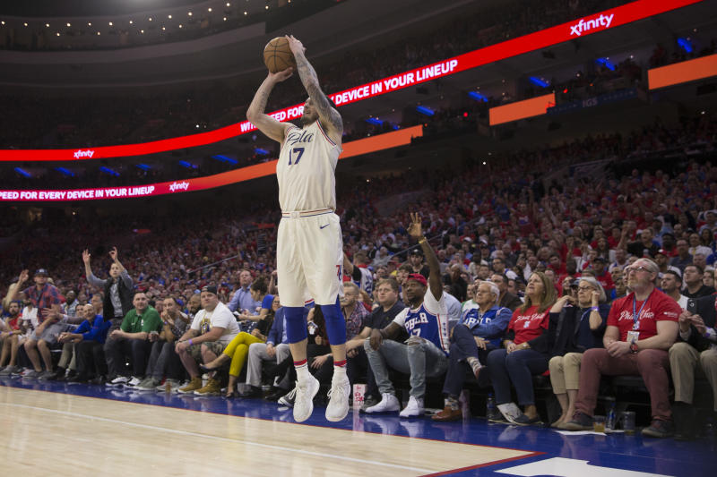ddabc723a 76ers JJ Redick was booed in China after racial slur use