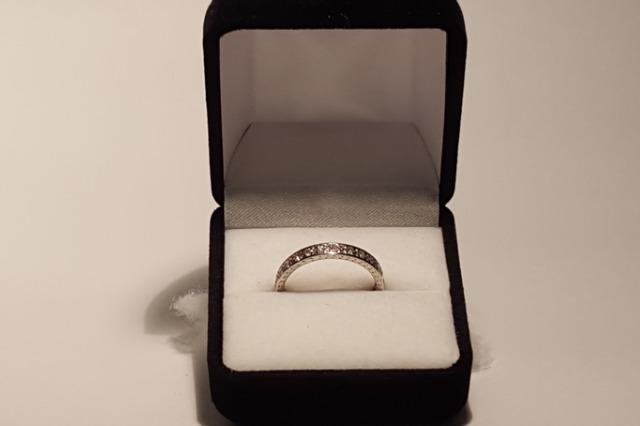 The engagement ring prize