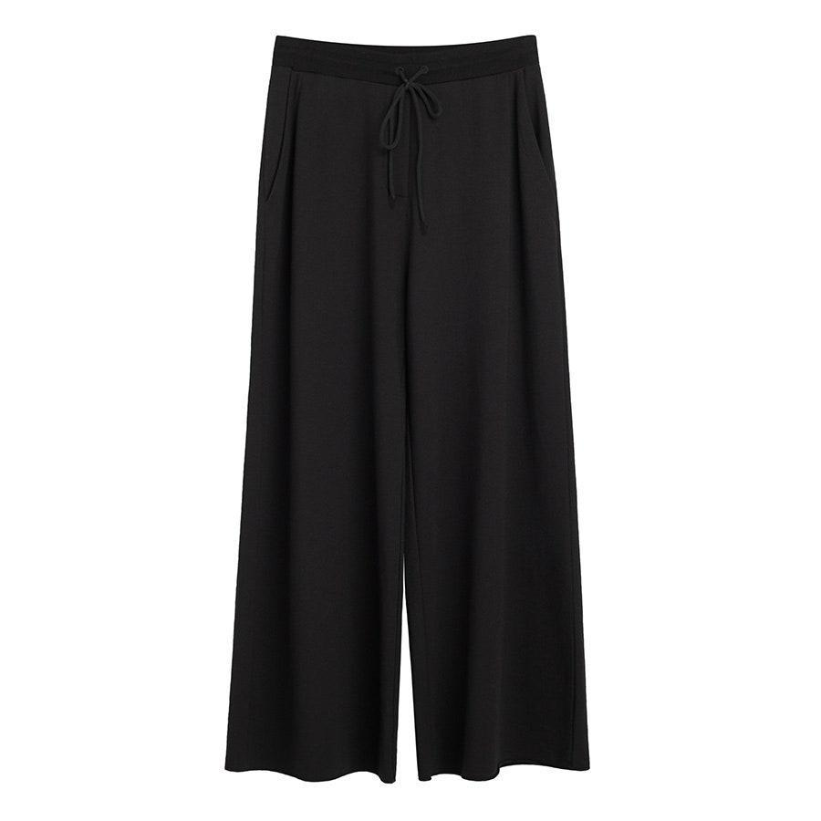 """<p>Cuyana's French Terry Wide-Leg Cropped Pant is made with an extra soft Pima cotton that'll feel like a cloud against your skin. Cut overall the cut-off sweats have a sturdier, more structured silhouette that looks like a well-tailored trouser. Match it up with the <a href=""""https://cuyana.64ud.net/D99y5"""" rel=""""nofollow noopener"""" target=""""_blank"""" data-ylk=""""slk:Pima Scoop Neck Tee"""" class=""""link rapid-noclick-resp"""">Pima Scoop Neck Tee</a> ($35). </p> <p><strong>Sizes available:</strong> XS to XL</p> <p><strong>$95</strong> (<a href=""""https://cuyana.64ud.net/944L4"""" rel=""""nofollow noopener"""" target=""""_blank"""" data-ylk=""""slk:Shop Now"""" class=""""link rapid-noclick-resp"""">Shop Now</a>)</p>"""