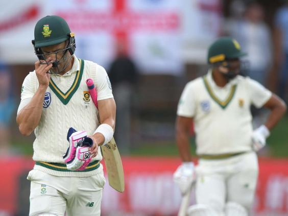Du Plessis walks off dejected during the third Test (Getty)
