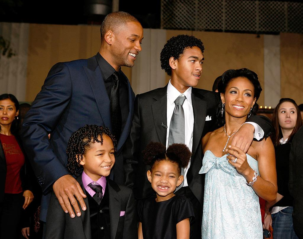 By the time she was 6, Willow was showing up the rest of her superstar family in pictures. No one else is so serious about their smile, even though they have a lot more teeth! (Getty Images)