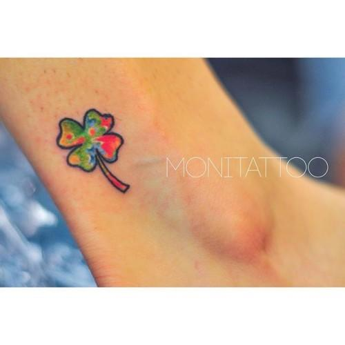 Clover a colourful luck #dublintattooartists #dublintattoo #freehandtattoo #monicagomes #monitattoo #clovertattoo #lucktattoo #luckytattoo #shamrocktattoo #colourfultattoo