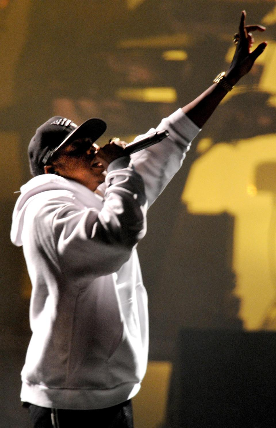 Jay-Z closed his set at V Festival over the weekend with a special performance, dedicated to the late Chester Bennington.