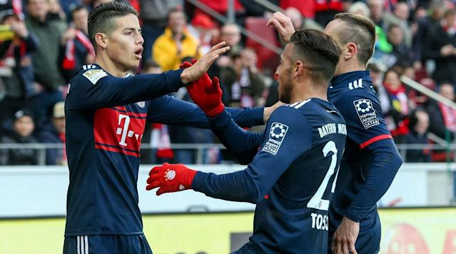 "<p>A place in the DFB Pokal semifinals is on the line when Paderborn hosts Bundesliga leader Bayern Munich on Tuesday.</p><p>Bayern has won the domestic cup competition a record 18 times and is seeking its fourth title in six years, but it will have to come away with a result on the road against an upstart opponent in order to keep its hopes of another trophy alive. </p><p>Paderborn currently leads Germany's third-tier 3. Liga and has achieved wins over St. Pauli, Bochum and Ingolstadt in its unlikely run to the quarterfinals. Naturally, a fourth straight triumph and one over Bayern would be its biggest shock yet. </p><p>Here's how to watch the match:</p><p><strong>Time</strong>: 12:30 p.m. ET</p><p><strong>TV</strong>: ESPN Deportes</p><p><strong>Live Stream</strong>: You can watch the match <a href=""http://www.espn.com/watch/"" rel=""nofollow noopener"" target=""_blank"" data-ylk=""slk:via WatchESPN"" class=""link rapid-noclick-resp"">via WatchESPN</a>.</p>"