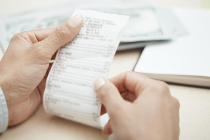 A chemical found in receipts has been linked to reduced heart function. [Photo: Getty]