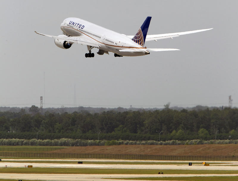 United, ANA find wire problems on 787 transmitters