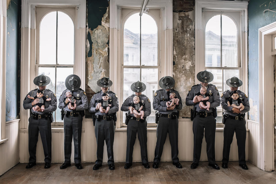 When the wives of seven Kentucky police officers had babies around the same time, they realized they needed to commemorate the coincidence. (Photo: HUEit Photography by Vicky Lea)