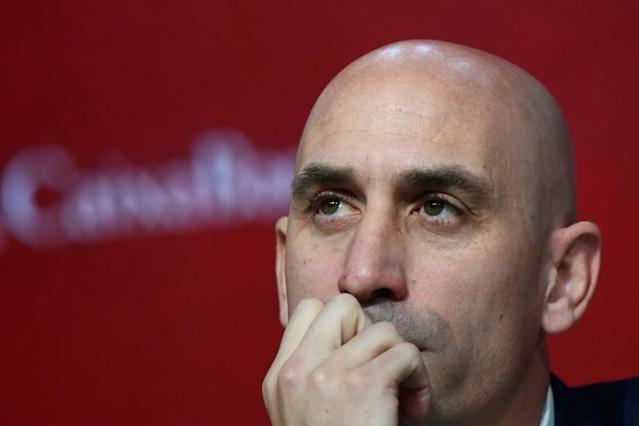 Luis Rubiales said his Spanish Football Federation was ready to lend money to struggling clubs (AFP Photo/GABRIEL BOUYS )
