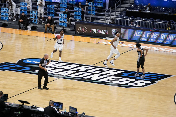 March Madness saw its first cancelation of a game due to COVID-19 issues when the Oregon-VCU game was declared a no contest. (AP Photo/Michael Conroy)
