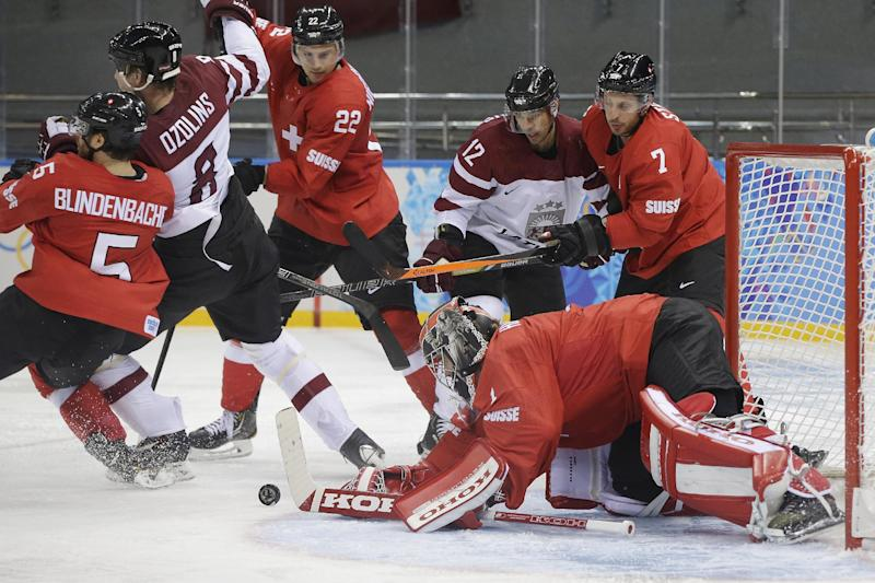 Swiss beat Latvians 1-0 with 7.9 seconds left