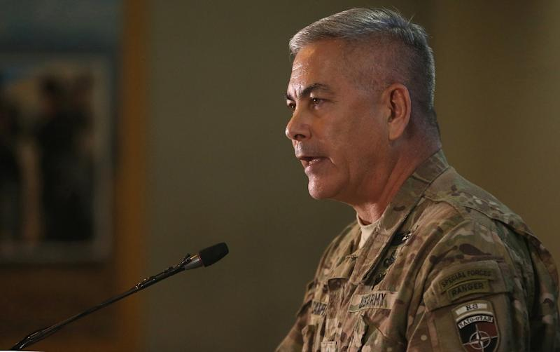Commander of US and NATO forces in Afghanistan, General John Campbell speaks at Resolute Support headquarters in Kabul on November 25, 2015 (AFP Photo/Massoud Hossaini)