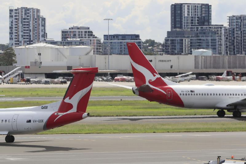 Qantas to pay back millions to underpaid staff