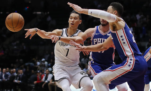 "<a class=""link rapid-noclick-resp"" href=""/nba/players/4795/"" data-ylk=""slk:Jeremy Lin"">Jeremy Lin</a> spoke out in defense of JJ Redick on Twitter. (AP)"