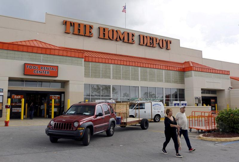 Home Depot and Lowe's are set to profit from Sears' troubles