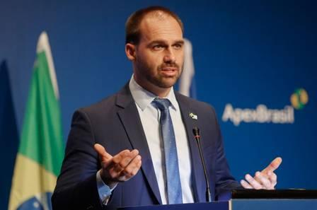86167981_Brazilian Federal Deputy Eduardo Bolsonaro speaks during the opening ceremony of the Br.jpg