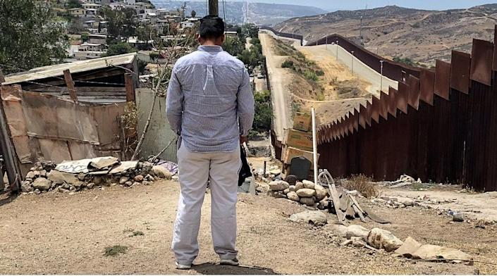 Daniel, who is afraid to show his face, lives in a Mexican city that borders the U.S. while he waits for his asylum petition, Aug. 2021. (Noticias Telemundo Investiga)