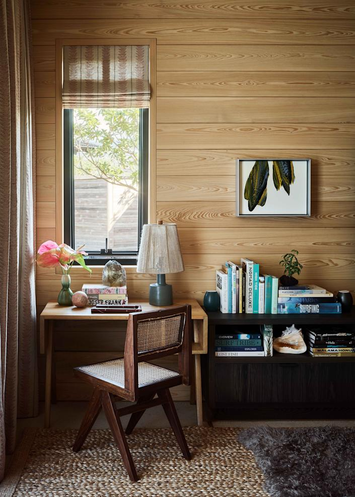 A corner office in the lounge, appointed with a Pierre Jeanneret desk and chair from 1957, isn't roomy enough to handle large work projects, but that's by design—Hale Huna is a remote retreat after all, meant for the owners to unplug their Silicon Valley wires.