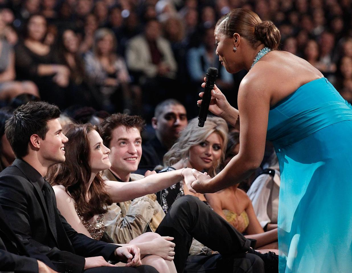 """<p><strong>When:</strong> 2011</p><p><strong>What happened:</strong> Host Queen Latifah geeked out over seeing <em>Twilight</em> stars Taylor Lautner, Kristen Stewart, and Robert Pattinson. It was a <a href=""""https://www.youtube.com/watch?v=QgYQ543XDLM"""" target=""""_blank"""">painfully scripted moment</a> and you could see the uneasiness on the actors' faces. She also kept calling them by their characters' names, not they're actual names.</p>"""
