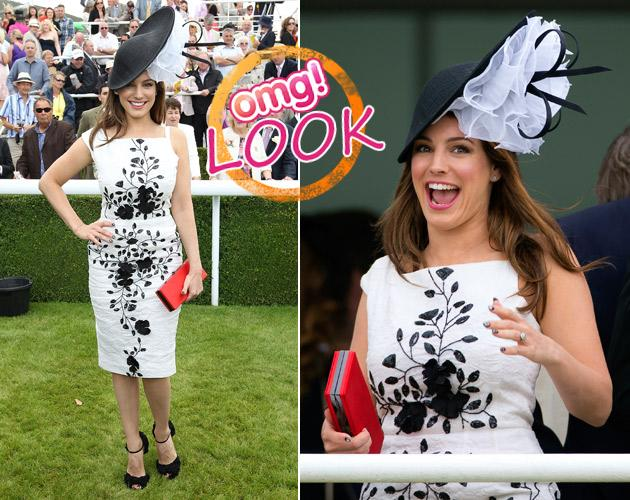 Kelly Brook: Flower-Fiasko beim Pferderennen (Bilder: Getty Images)