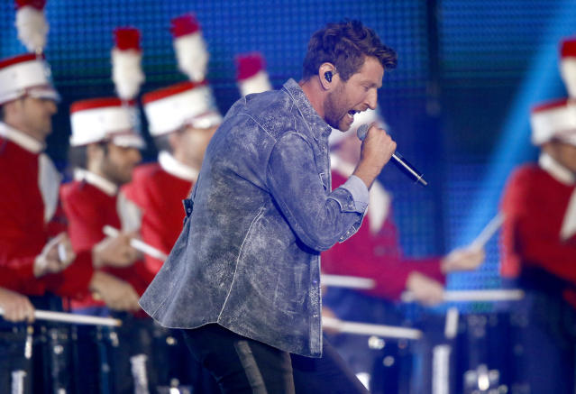 """<p>Brett Eldredge performs """"Somethin' I'm Good At"""" at the CMT Music Awards at Music City Center on Wednesday, June 7, 2017, in Nashville, Tenn. (Photo by Wade Payne/Invision/AP) </p>"""