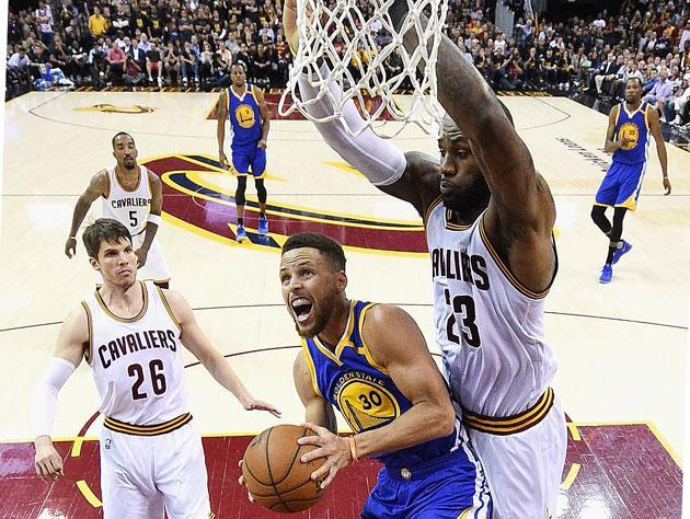 Stephen Curry missed this shot, but he was fouled. A reason for everything. (Getty Images)