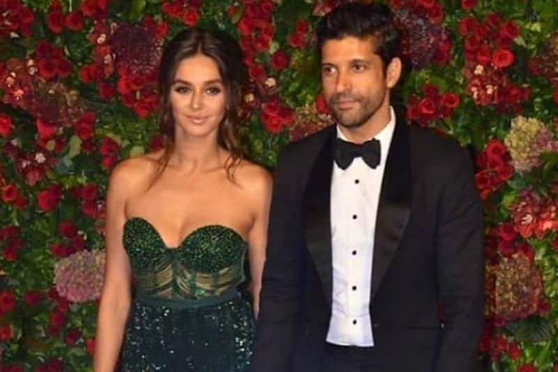Farhan Akhtar, Shibani Dandekar Flaunt Their Rings on Instagram, Netizens Wonder If They're Engaged