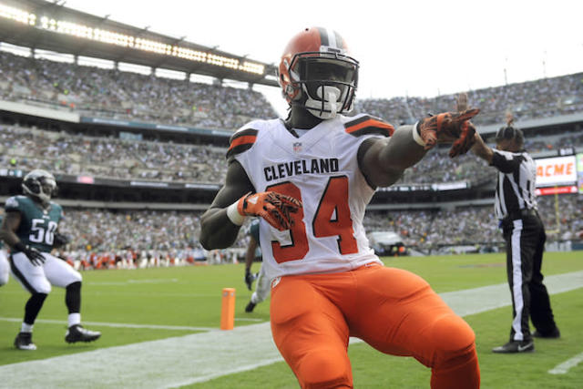 "<a class=""link rapid-noclick-resp"" href=""/nfl/players/28014/"" data-ylk=""slk:Isaiah Crowell"">Isaiah Crowell</a> wants YOU to respect his RB2 potential. (AP)"