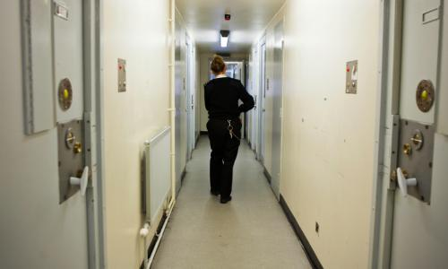 End Covid-19 jail visiting ban for children in England and Wales, MPs urge