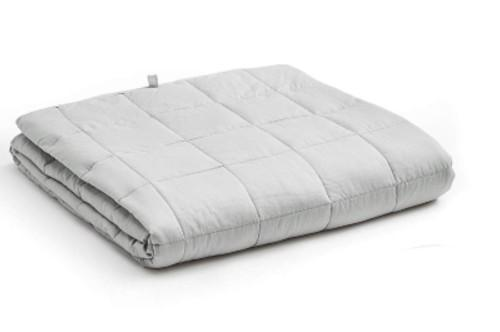 YnM Weighted Blanket. (Photo: Amazon)