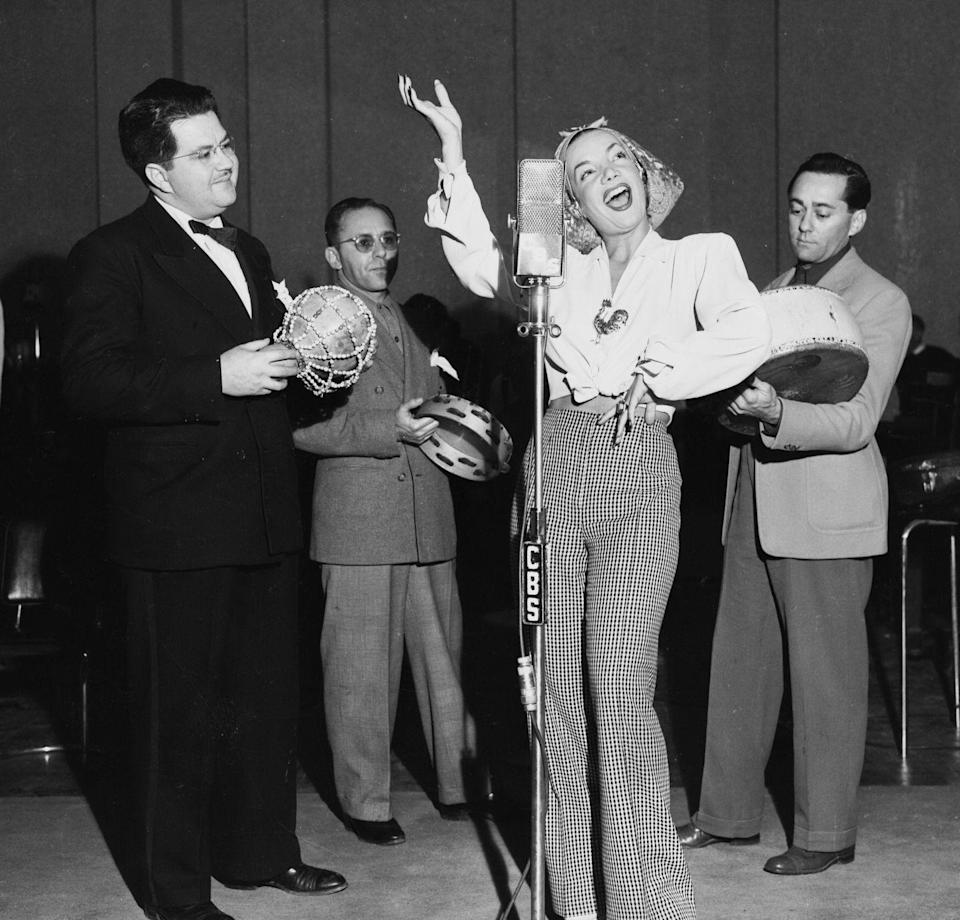 <p>There was no time to celebrate the holidays for Carmen Miranda, who was busy performing for the CBS Radio Elgin Christmas Show on December 25, 1944. </p>