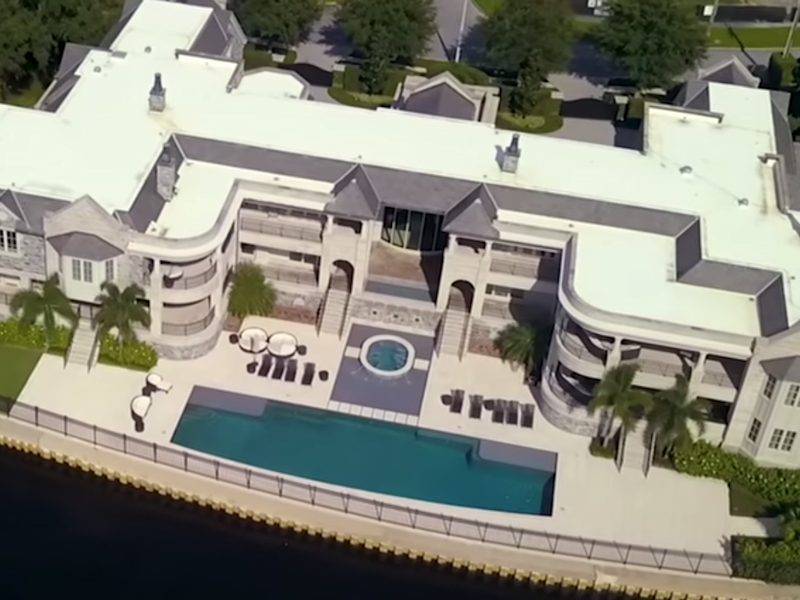 The house Tom Brady is renting from Derek Jeter: Ark Video Productions (YouTube)