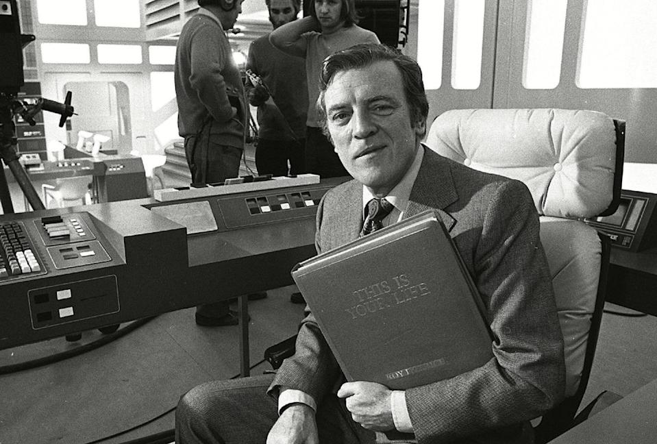 <p>The statesman, former First Sea Lord and last viceroy of India got the red book treatment from Eamonn Andrews after ambushing him in the foyer of Thames Television.</p>