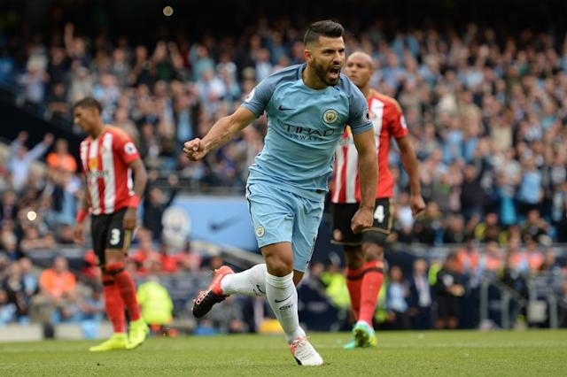 Manchester City's striker Sergio Aguero celebrates scoring the opening goal from the penalty spot during the match between City and Sunderland on August 13, 2016 (AFP Photo/Oli Scarff)