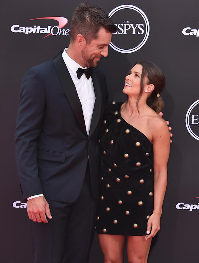 NFL player Aaron Rodgers and host Danica Patrick attend the 2018 ESPYS in L.A. (Photo: Alberto E. Rodriguez/Getty Images)