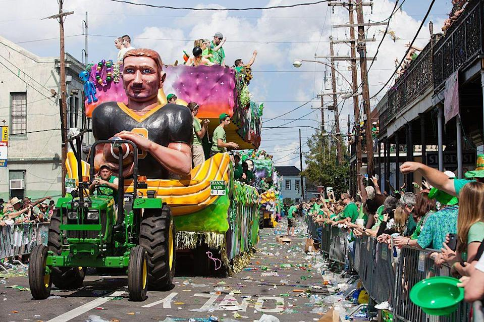 """<p>Although it's best known for its Mardi Gras celebrations, <a href=""""https://go.redirectingat.com?id=74968X1596630&url=https%3A%2F%2Fwww.tripadvisor.com%2FTourism-g60864-New_Orleans_Louisiana-Vacations.html&sref=https%3A%2F%2Fwww.countryliving.com%2Flife%2Fg26240477%2Fst-patricks-day-events%2F"""" rel=""""nofollow noopener"""" target=""""_blank"""" data-ylk=""""slk:New Orleans"""" class=""""link rapid-noclick-resp"""">New Orleans</a> also throws several St. Patrick's Day parades. According to the <a href=""""http://www.stpatricksdayneworleans.com/"""" rel=""""nofollow noopener"""" target=""""_blank"""" data-ylk=""""slk:event's website"""" class=""""link rapid-noclick-resp"""">event's website</a>, attendees are instructed to chant """"Throw me something, Mister!"""" and sometimes receive cabbages, carrots, and onions. </p>"""