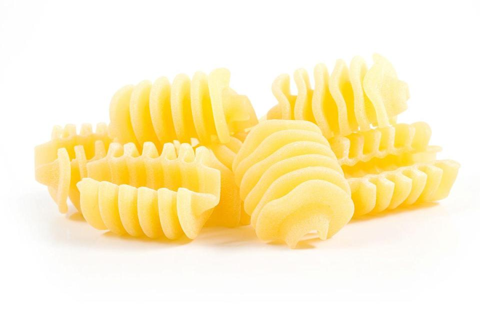 <p><strong>Category: </strong>Shaped pasta<strong><br>Pronunciation: </strong>Rah-dee-ah-tor-ee<br><strong>Literal meaning: </strong>Radiator<br><strong>Typical pasta cooking time: </strong>9-13 minutes</p>